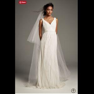 White VERA WANG Tulle Flutter Back Wedding Dress 4